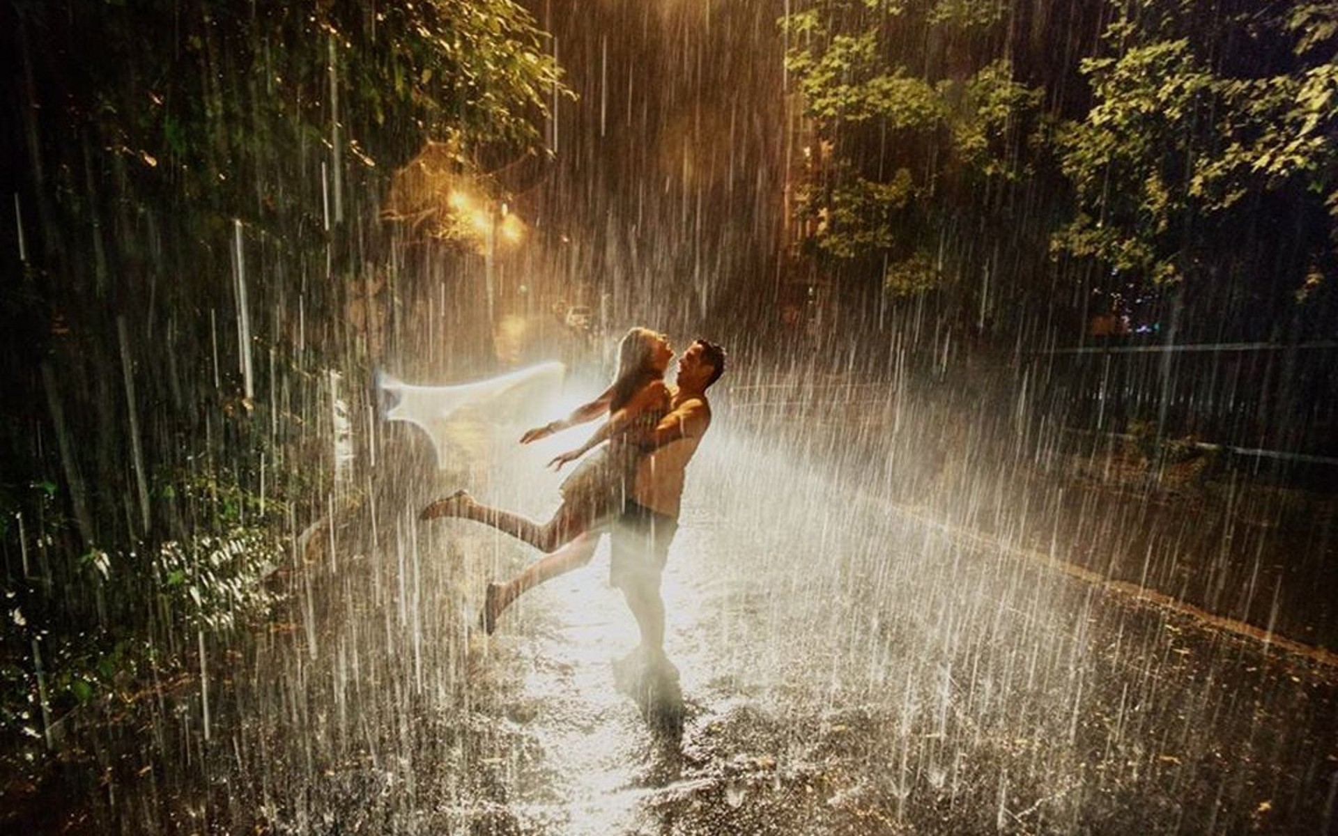 romantic rainy wallpaper - photo #15